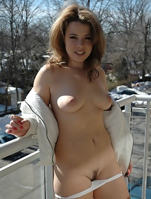 Teen Trimmed Pussy Porn Pictures