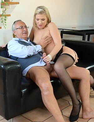 Juicy shows Jim just what she has in store for him later