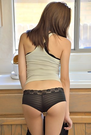Teen Undressing Porn Pictures